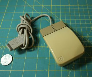 Commodore Amiga 3000 Pregnant Mouse Yellowed And A3000