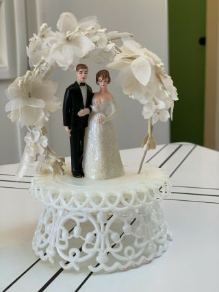 """Vintage 1950/1960's Bride & Groom Wedding Cake Topper And Flowers 6 """" Tall"""