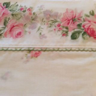 Vintage Full Flat Sheet Rose Desigh With Green Trim And 1 Standard Pillow Case