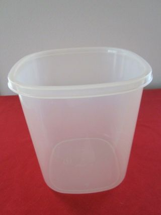 Vtg Rubbermaid 7 21 Cups Servin Saver Square Sheer Canister Only No Lid